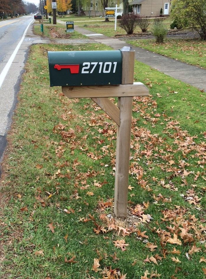 MAILBOX WITH ADDRESS